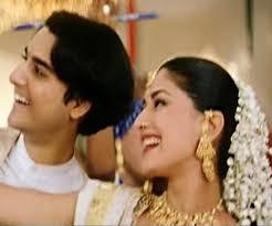 Dandiya Aatamum Aada Song Lyrics