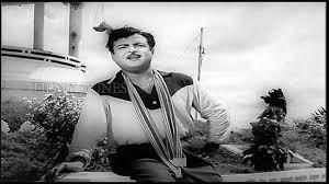 Kaalangalil Aval Vasantham Song Lyrics