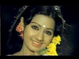 Senthoora Poove Song Lyrics