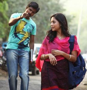 Nijamellam Maranthu Pochu Song Lyrics